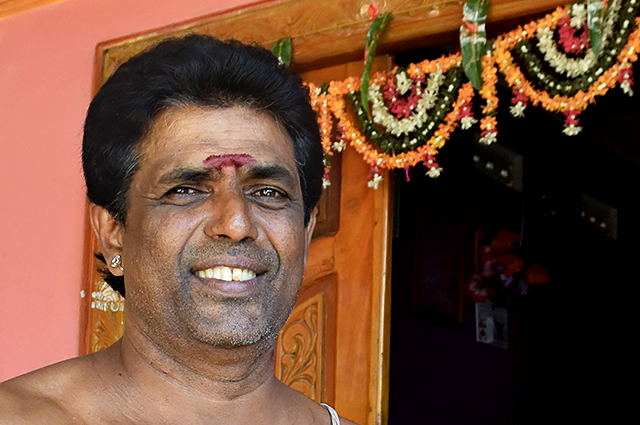 Hindu priest Ravi in Trincomalee